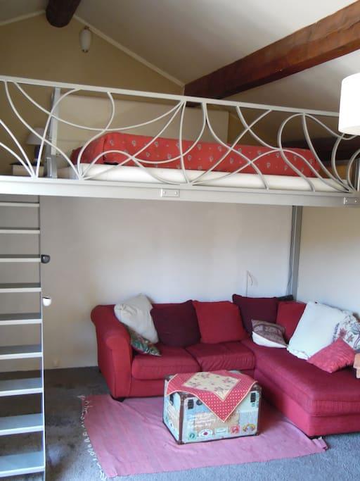 salon + mezzanine
