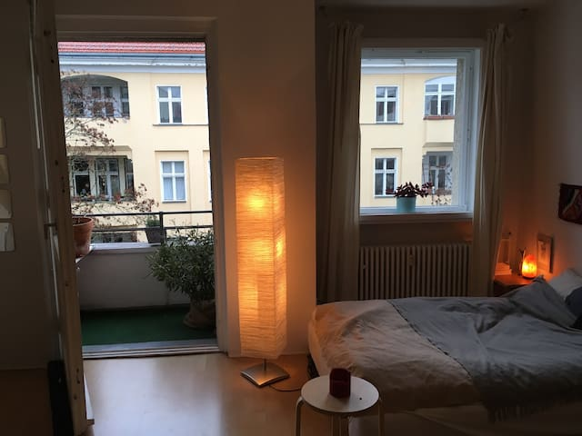 Cosy place in Wilmersdorf (close to Ku'damm) - Berlín - Apartamento