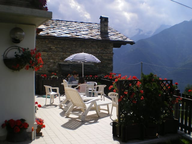 La Cascata, Aosta Valley in the Italian Alps - Montjovet - Haus