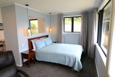 French Pass Beachfront Villas - Luxury Villa