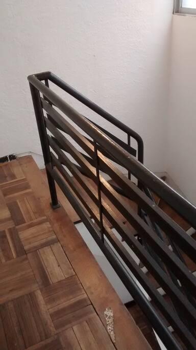 Pasillo de segundo piso.