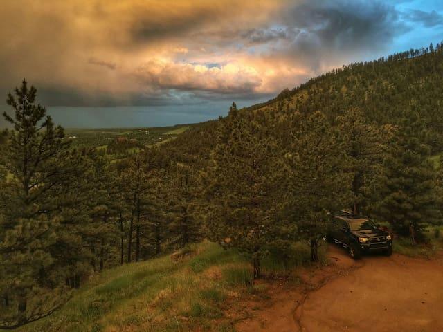 Private 1BR Retreat above Boulder