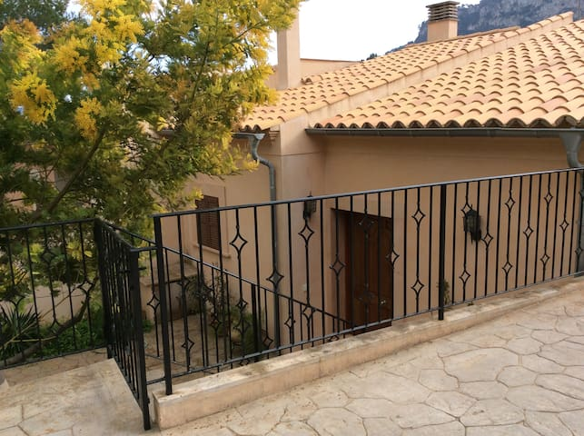 New and quiet house in the countryside-Puigpunyent - Puigpunyent - Casa