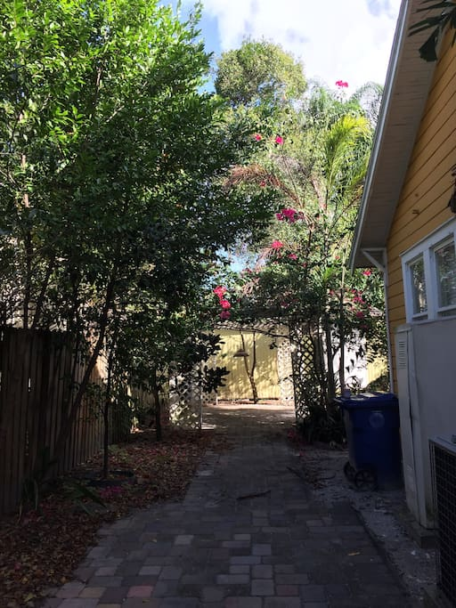 Dog Friendly Hideaway In Ybor City Apartments For Rent
