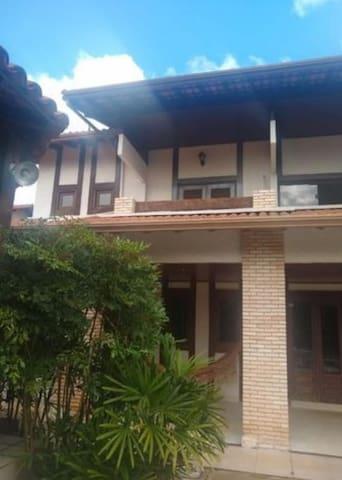 Excelente casa , ótima localização,  menor preço.
