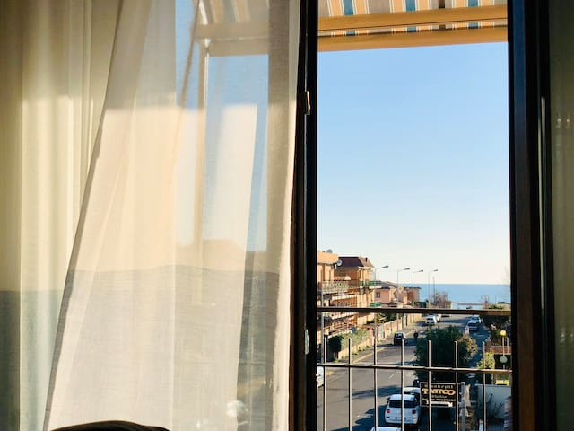 2BR apartment with sea view in Ladispoli (Rome)