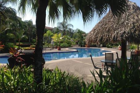 Tropical paradise condo at Los Sueños - Herradura - 公寓