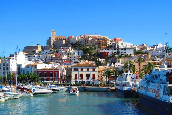 Old Town Ibizan house by the castle - Eivissa - Bed & Breakfast