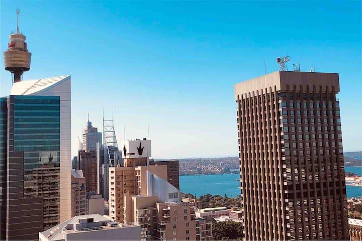 Sydney City Suite 2BR with Harbour View & Parking