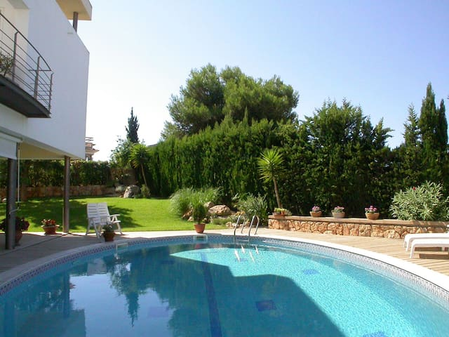 Exclusive villa near to the sea x 8 - Son Verí Nou - House