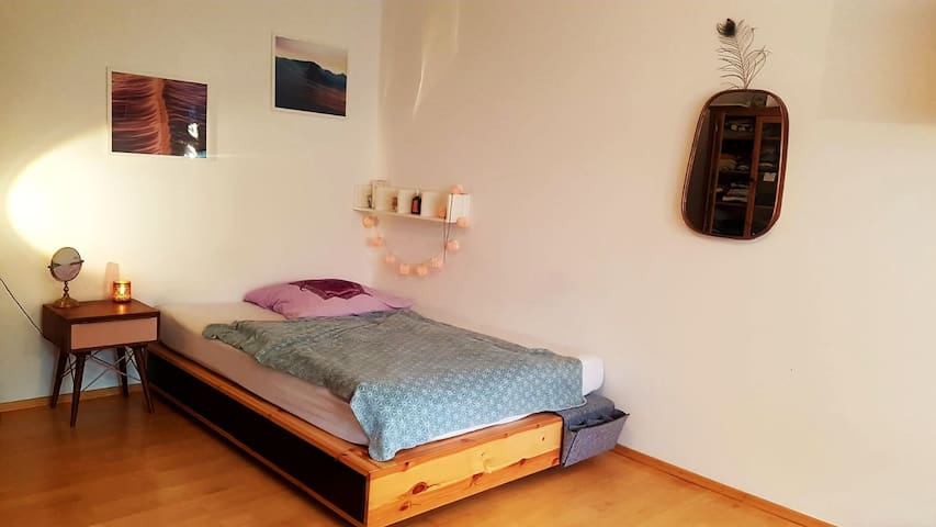 Cozy room with balcony in the center!
