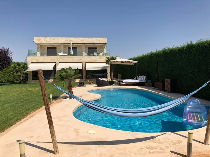 Habitación doble con baño ensuite  en modena Villa