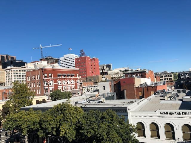 Spacious Loft, Heart of Gaslamp, Beautiful View