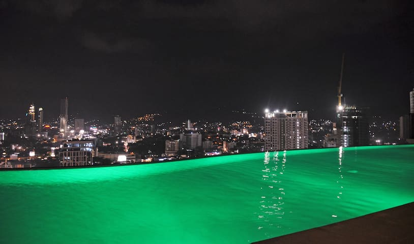 NEW!!FULLYFURNISHED LUXURY CONDO IN AYALA +PARKING - Cebu City - Wohnung