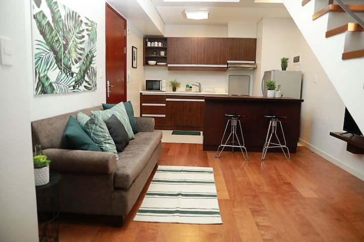 Great Location Cozy 1BR Loft Greenbelt Makati CBD