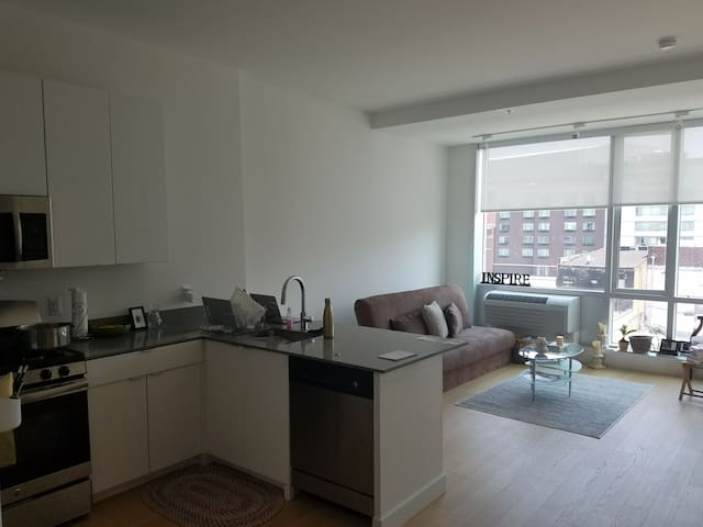 Cozy studio-downtown Newark, near EWR + NYC