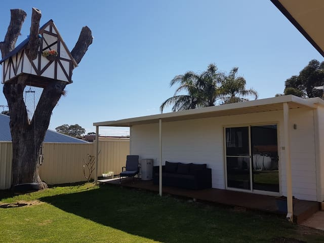 Cozy privat Granny Flat close to Fremantle