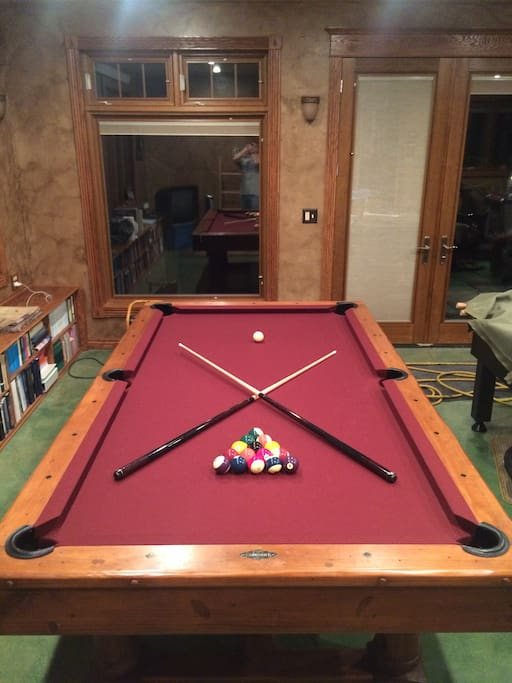 9' Brunswick pool table
