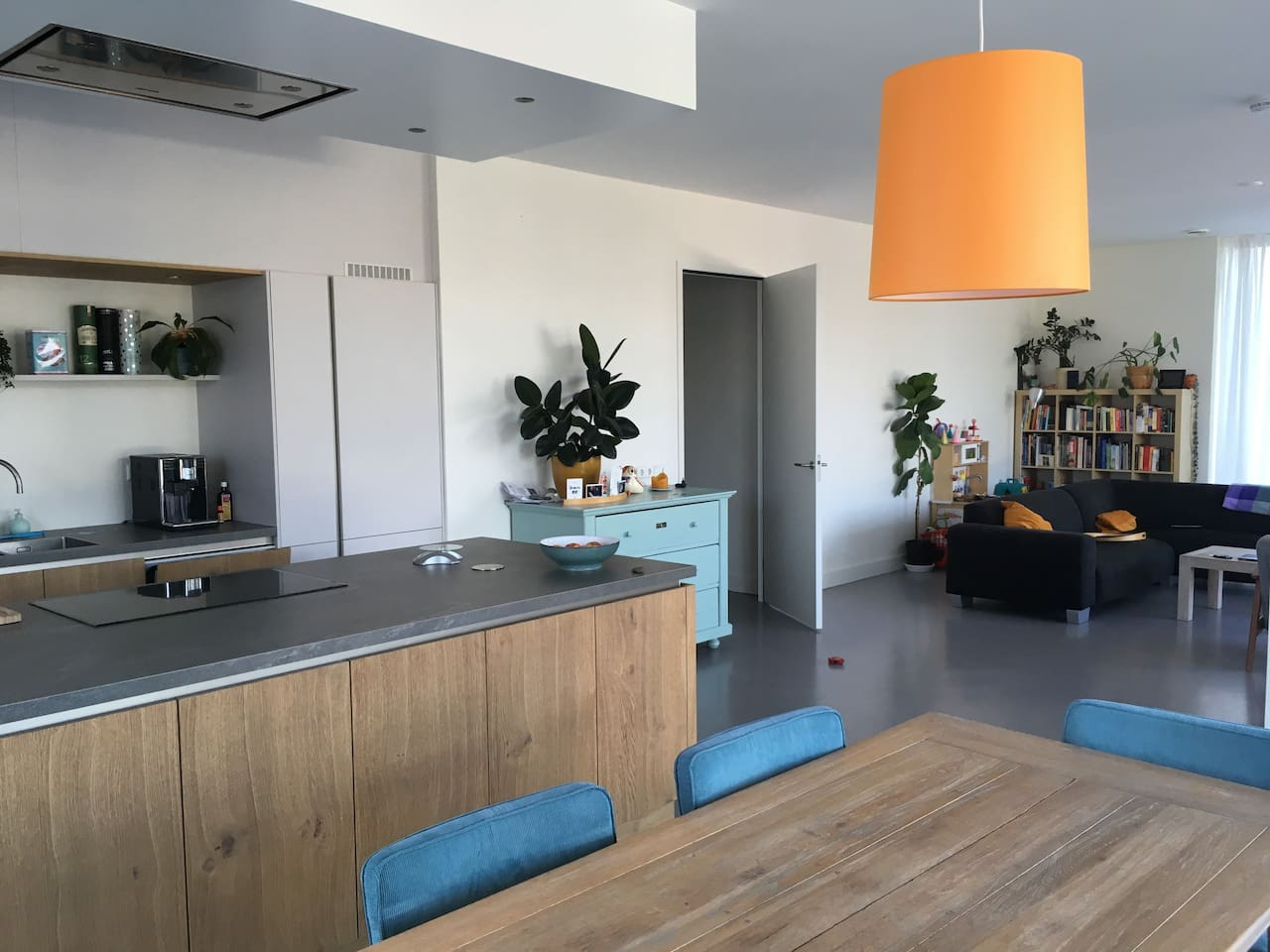 Livingroom of 50m2 with large kitchen