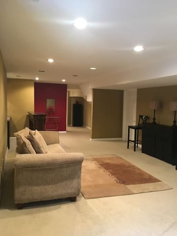 PRIVATE 1 BR/Entire Place Apt!!! (Long Term ok)