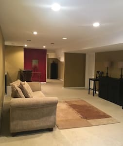 SPACIOUS 1BR Basement Apt w/Kitchenette