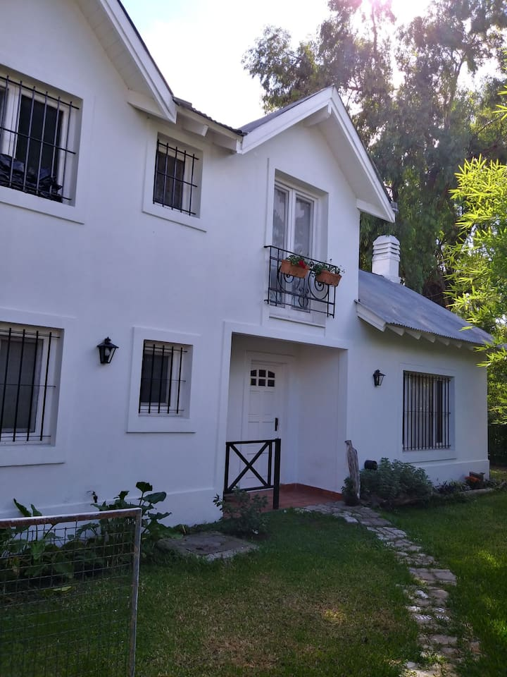Home in tigre #RicardoRojas near #Ford #Roche #Volkwagen we speak English German and portuguese