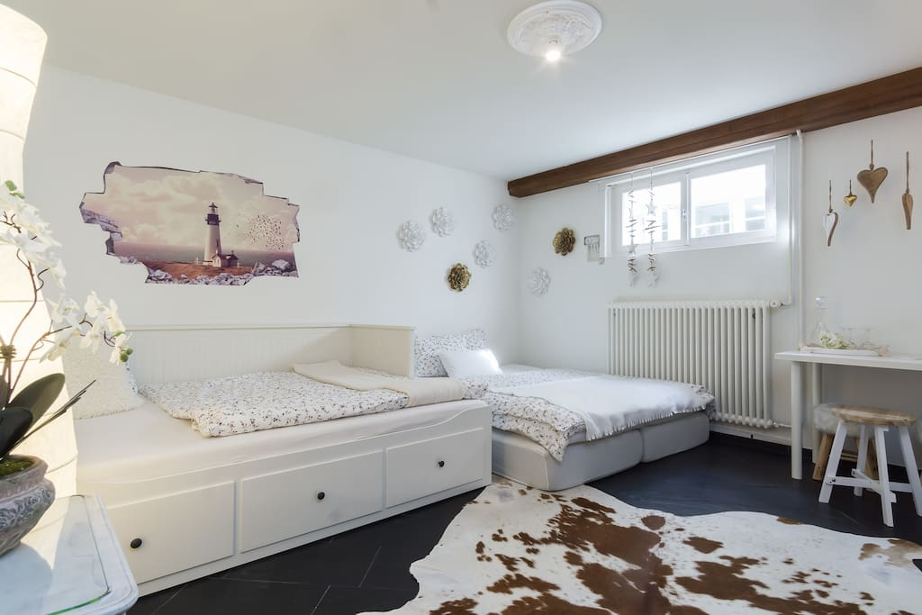 2 double beds... (Room for up to 4 guests)