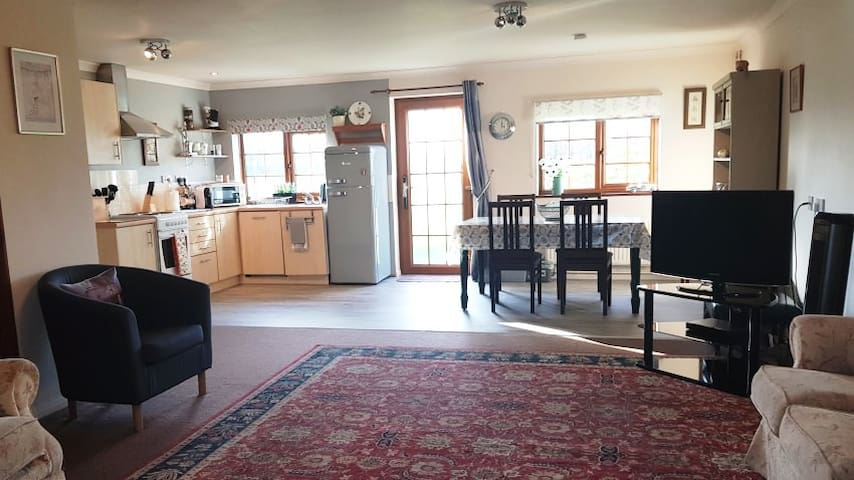 Primrose Cottage - Spacious, family holiday home