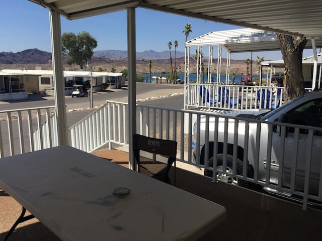 LAKE HAVASU RIVER HOUSE W/BOAT SLIP - Lake Havasu City - Casa