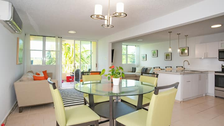 Renovated Townhome -Rooftop Terrace by Sandy Beach
