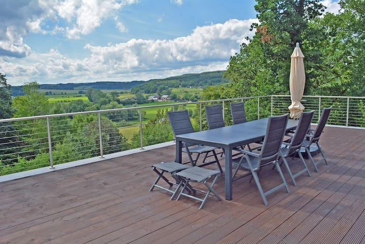 Durbuy: villa 'Vues Infinies' in de Ardennen
