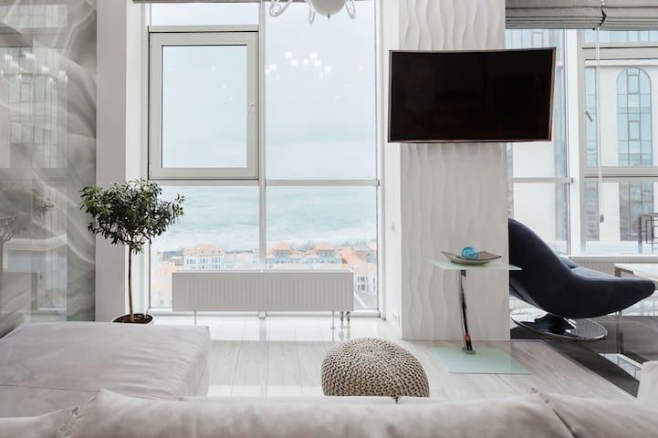 Sea&Sky Light Apartment