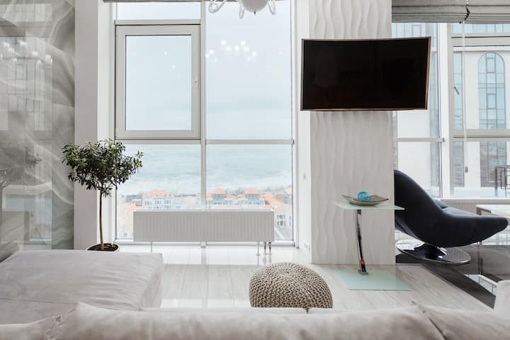 Sea&Sky Light Apartment