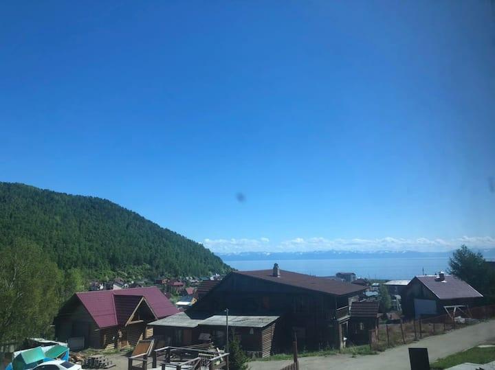Комфортабельная студия с видом на озеро Байкал
