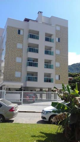 Ap condomínio monte Carlo,Praia Grande, Ubatuba!