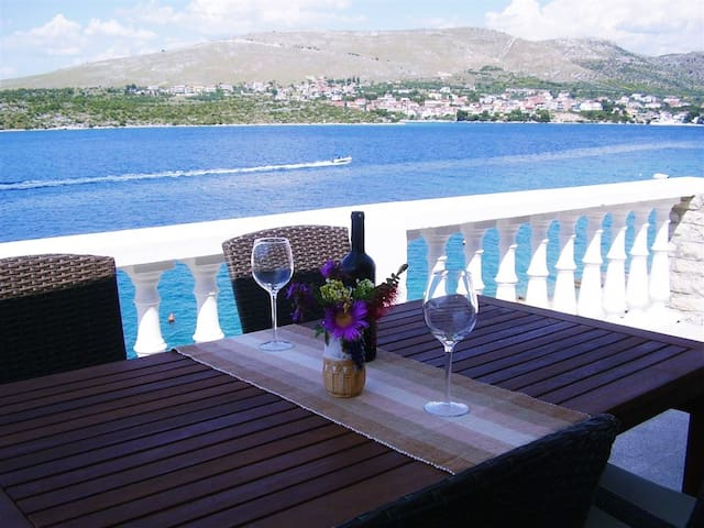 Apartment with beautiful sea view - Grebaštica - Muu