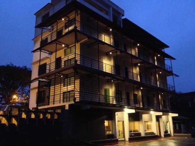 Daswal B&B Hotel
