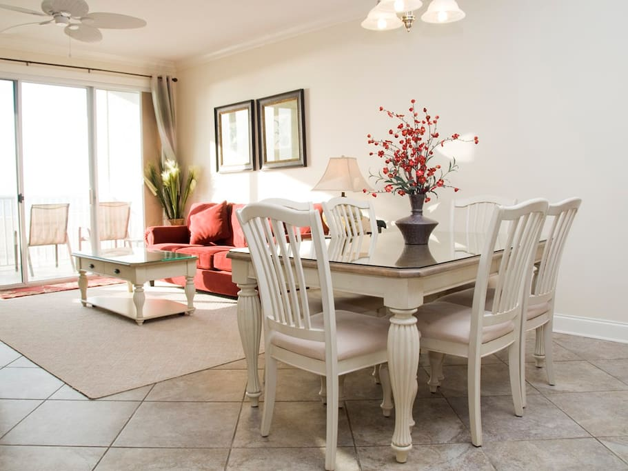 Belmont Towers, 305 - Dining Area