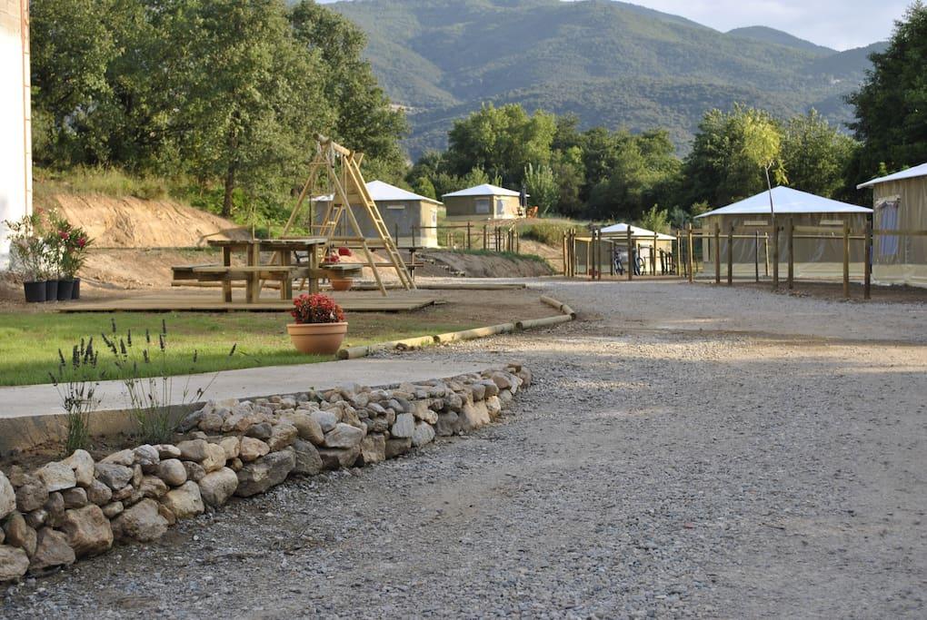 Vue d'ensemble du camping à la ferme du Mas Vidalou