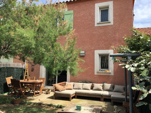 Villa type 4 avec piscine - Narbonne - House
