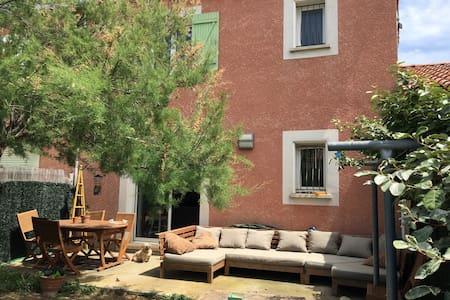 Villa type 4 avec piscine - Narbonne