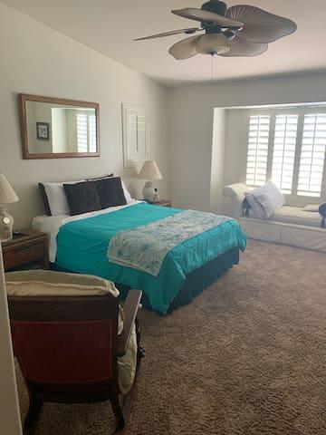 Las Vegas Strip Master Suite w/loft Townhome