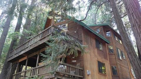3 Level Sierras Getaway