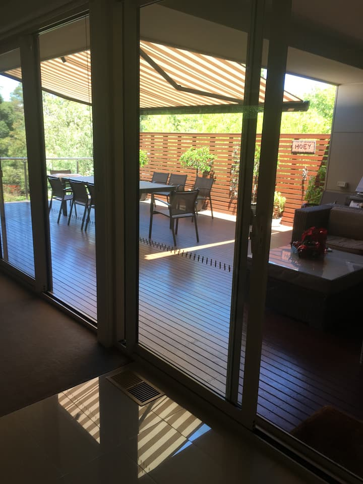Large 2BR house close to Melbourne CBD