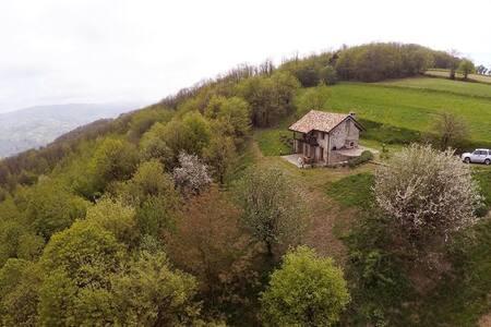 La casetta nel bosco - Mombarcaro - House