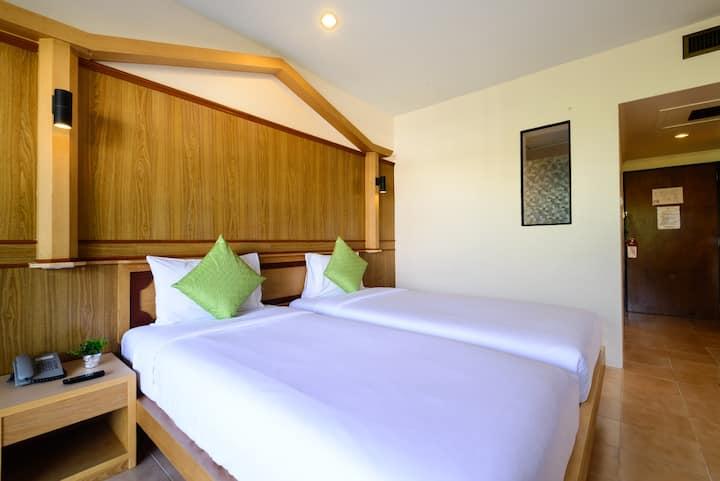 Premium Room @ Patong Lodge Hotel, Phuket.