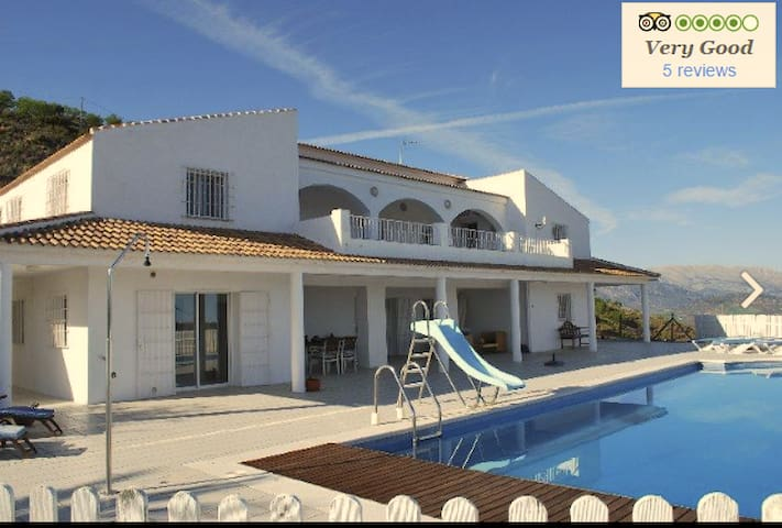 LUXURY Villa in Spain - Colmenar - Villa