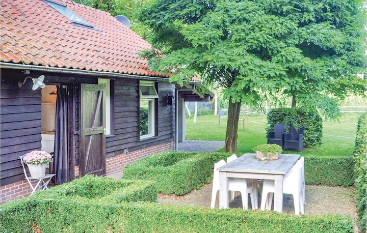 Beautiful home in Leende with WiFi and 2 Bedrooms