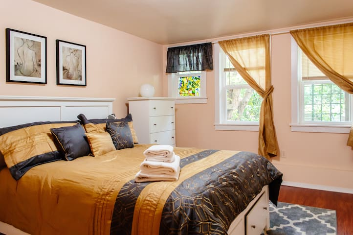 Family Friendly Apt. Next to Golden Gate Park!