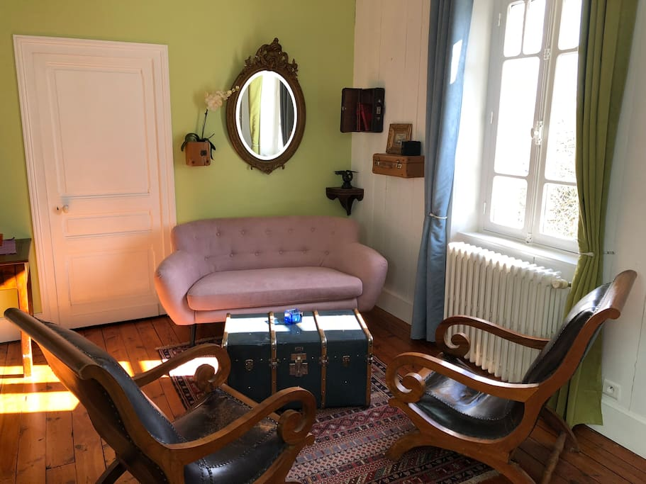 B b couleurs du temps c t jardin bed and breakfasts - La douche perigueux ...